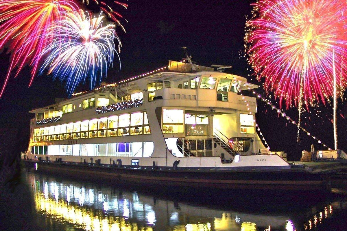 New Year's Eve cruise on Lake Garda
