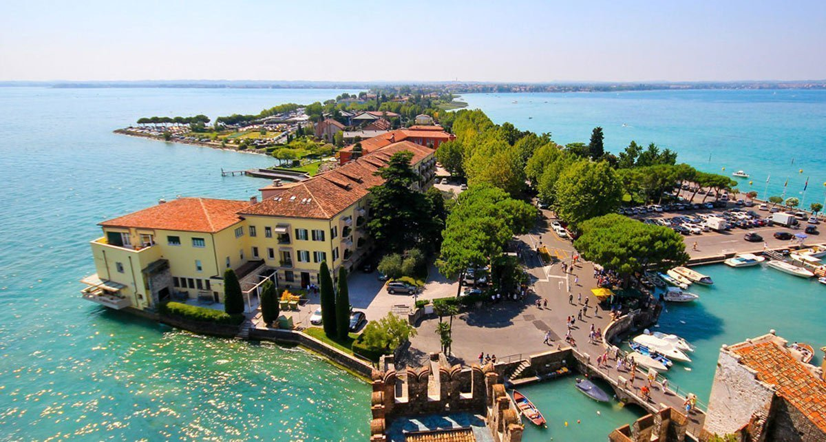 Tour between Sirmione and Desenzano